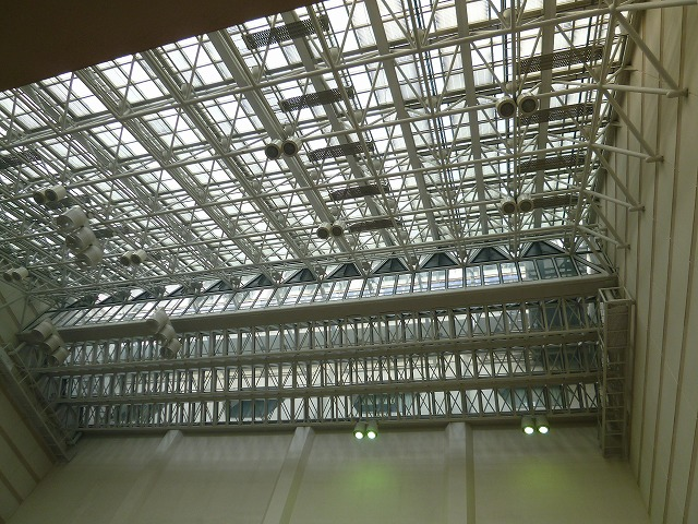 20151101-sunplaza-ceiling